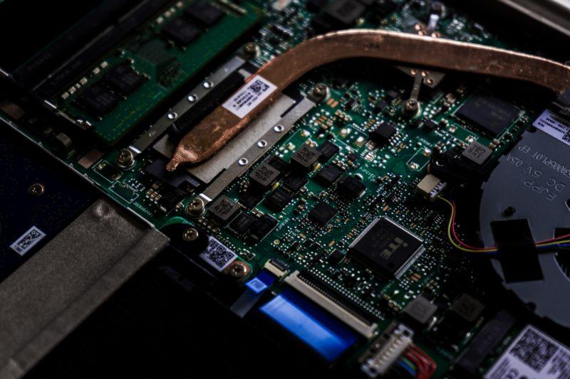 機械学習にGPUサーバーが活躍する理由
