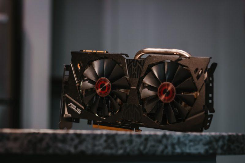 主なディープラーニング用GPU